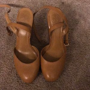 Tory Burch clogs wedged nude 9M
